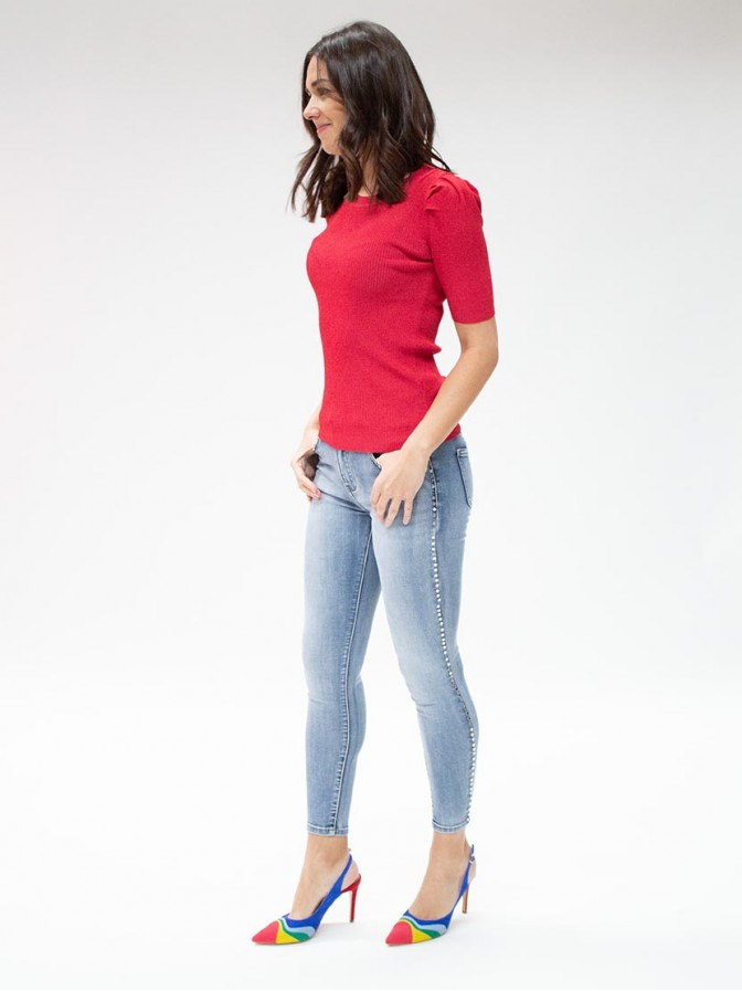 Jeans tachas laterales